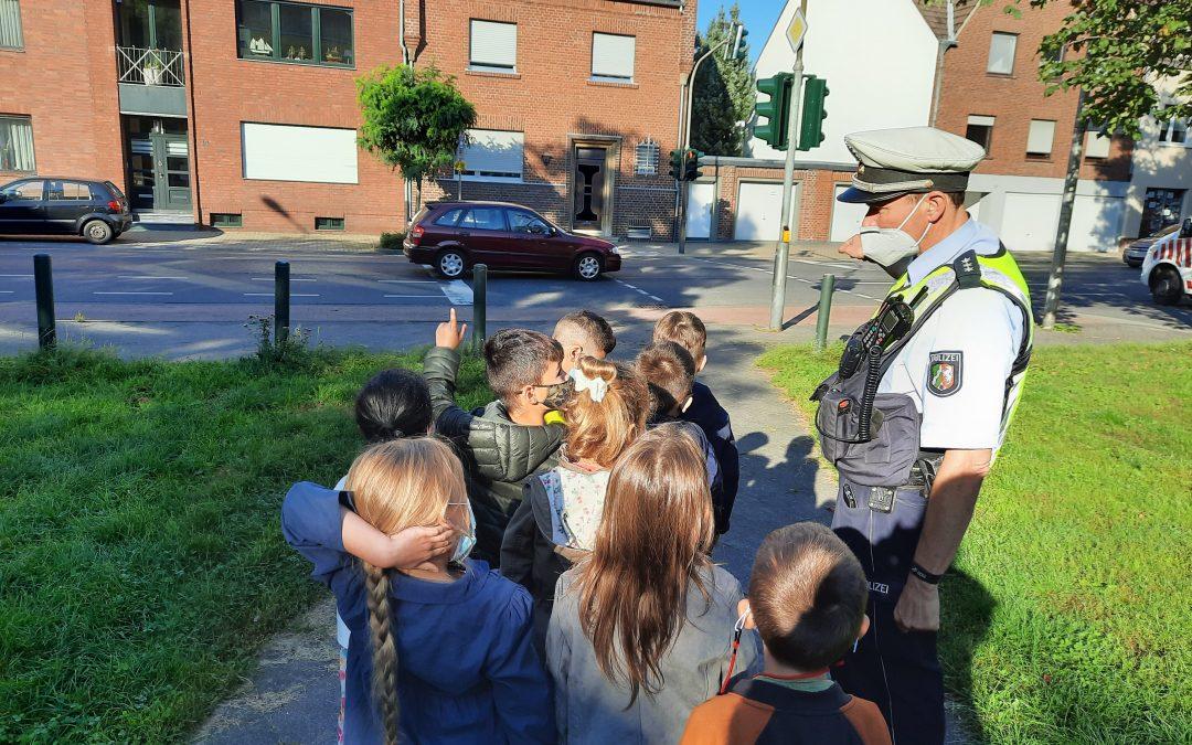 """""""Bordsteintraining"""" – Sicherheit im Straßenverkehr"""